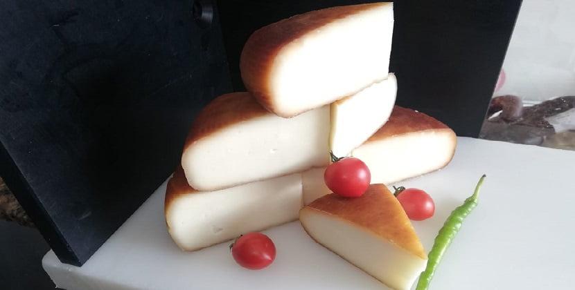 İsli Çerkez Peyniri