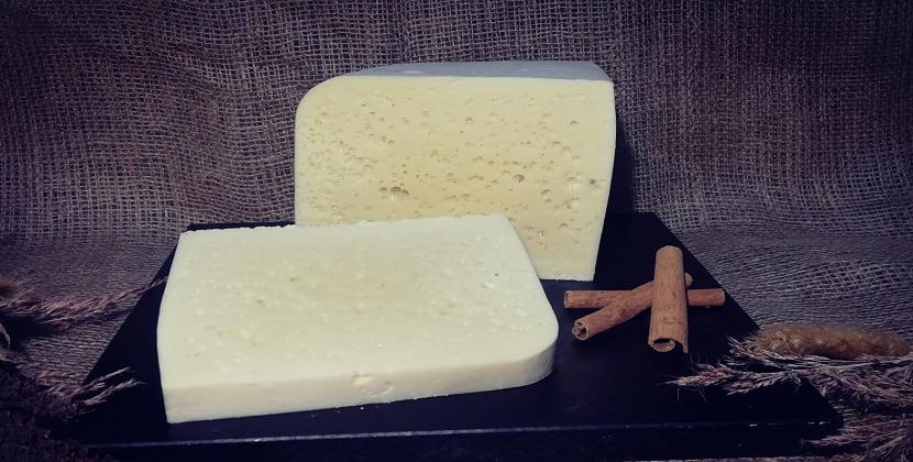 Koyun Kelle Peyniri